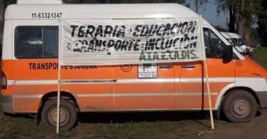 Transporte-para-discapacitados-combi-protesta