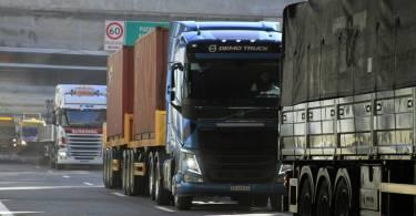 Camiones-Paseo-del-Bajo-2