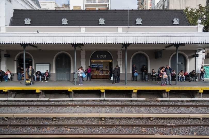 tren-sarmiento-flores-estacion