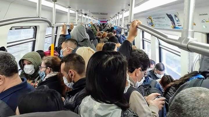 Tren Sarmiento lleno en Cuarentena