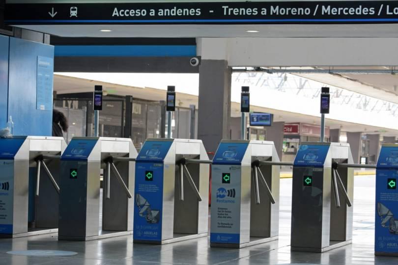 molinetes-con-lectores-QR-en-Tren-Sarmiento