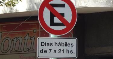 cartel-prohibido-estacionar-lunes-a-viernes