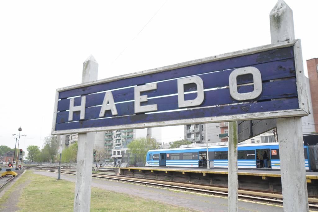 tren-roca-Temperley-Haedo-cartel-estacion-haedo-02